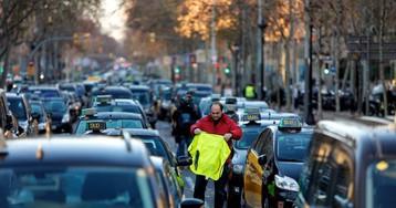 La huelga indefinida de taxis en Madrid y Barcelona, en directo