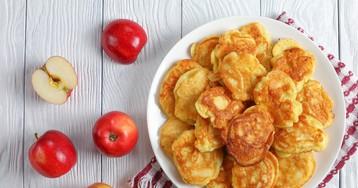 Домашние оладьи с яблоками на кефире