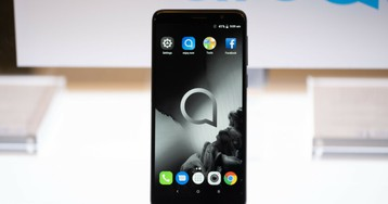 Alcatel Onyx brings an 18:9 display, dual cameras, and facial recognition on the cheap