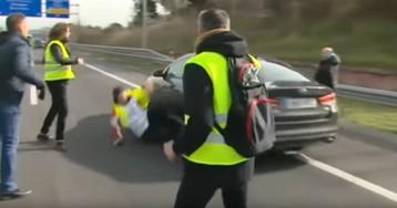 El taxista arrollado durante una protesta en la A2 continúa muy grave y en coma inducido
