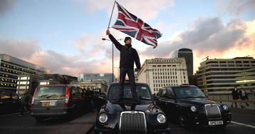 La batalla de los taxis y los VTC es global: así han legislado en otras partes del mundo para poner paz