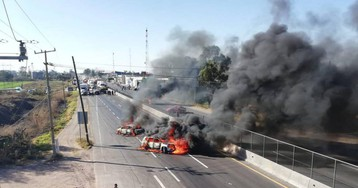 El bloqueo de carreteras por ladrones de combustible en México aumenta la tensión con el Gobierno