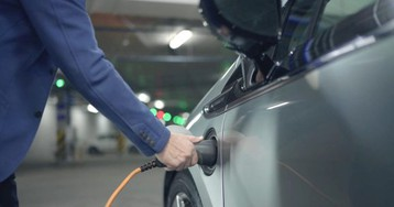 Shell snaps up Greenlots to accelerate electric vehicle charging networks across the U.S.