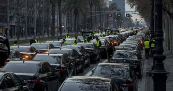 Uber y Cabify dejan de prestar servicio en Barcelona tras el decreto del Govern