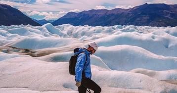 Caminando sobre el glaciar Perito Moreno, en la Patagonia argentina