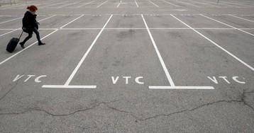"""La patronal de las VTC asegura que la Generalitat les ofreció seguir operando """"irregularmente"""""""