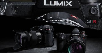 Panasonic LUMIX S1R and S1 detailed with hands-on pro demo videos