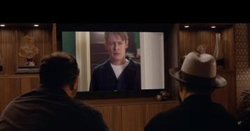 Джо Пеши снялся в продолжении рекламы Google Home Alone