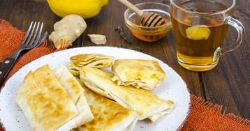 Жареный лаваш с сыром