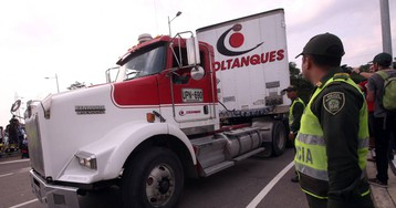 La ayuda de EE UU llega a la frontera con Venezuela