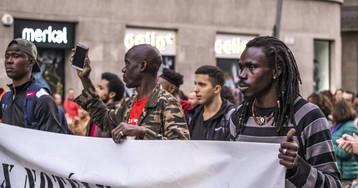 Condenado a pagar 1.500 euros el dueño de un bar que echó a cinco clientes por ser negros