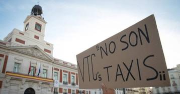 Solo Madrid (y a lo mejor Andalucía) resisten el embate de los taxistas contra Uber y Cabify