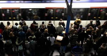 """La Comunidad de Madrid reconoce la saturación en el metro, pero defiende que se mantiene el """"confort"""""""
