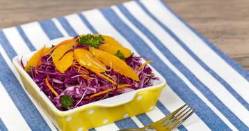 Салат из краснокочанной капусты с апельсином