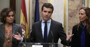 """El PP quiere 'superdomingo' y llama a Cs y Vox a un """"frente común"""" contra Sánchez"""