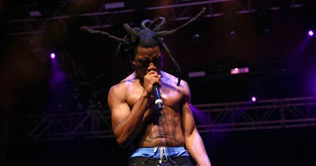"""Denzel Curry Throws Shade at Trump in Cover of Rage Against the Machine's """"Bulls on Parade"""""""