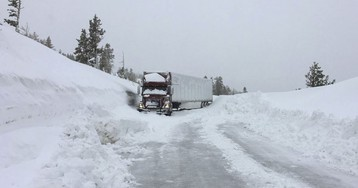 California Snow Too Thick to Plow Keeps Skiers Home