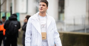 The Best Men's Neck Pouches to Get In on the Trend