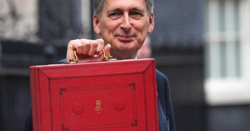 Hammond will keep his powder dry over pre-Brexit windfall | Larry Elliott