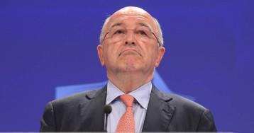 La UE designa a Almunia para juzgar el rescate financiero a Grecia