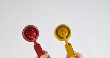 odiist's easy to use scoops leave star marks on your ice cream