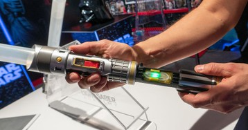 Hasbro Upgraded a Classic Star Wars Toy So You Can Learn How to Properly Swing a Lightsaber