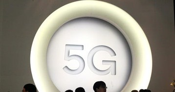 TCL shows off its 5G-capable USB data terminal at MWC 2019