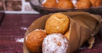 Пончики из творога в сахарной пудре