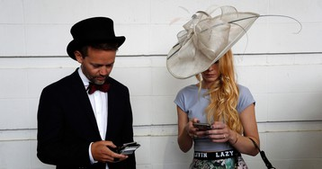How to beat cellphone addiction and be a better partner