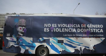 La Fiscalía de Barcelona pide la inmovilización del autobús de Hazte Oír