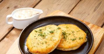 Новый рецепт приготовления картофельных оладушек с сыром