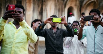 India advances $708 million high-end iPhone manufacturing project