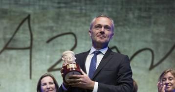 El valenciano Joaquín Camps tiñe de negro el Premio Azorín de Novela