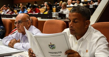 Amid crisis, Cuba plans revamp of state and legal system