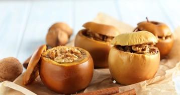 Печеные яблоки с овсянкой