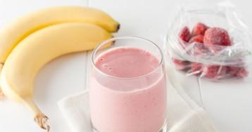 Рецепт приготовления смузи из банана и клубники