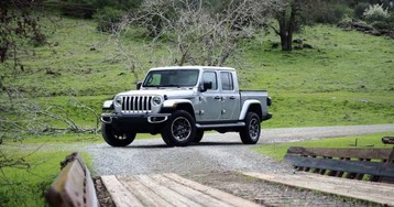 2020 Jeep Gladiator pricing and fuel economy revealed