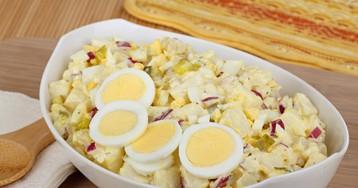 Аппетитный салат с картофелем и яйцом