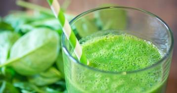 Зелёный смузи со шпинатом и ананасом