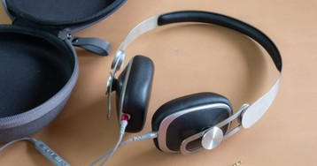 Moshi's Avanti C hybrid 3.5mm/Type-C headphones are worth the steep asking price