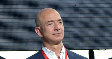 Report: Jeff Bezos Is Meeting With Prosecutors Over Allegations Saudis Hacked His Nudes