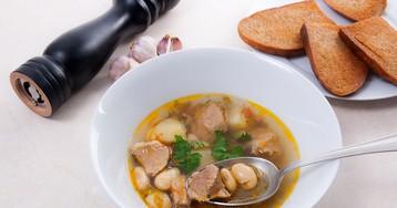 Фасолевый суп со свининой