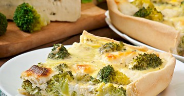 Киш с брокколи и сыром фета