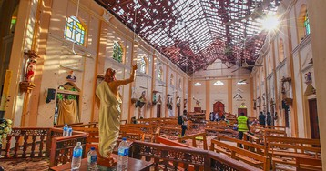 Sri Lanka authorities warned of Easter church bombings weeks before Sunday's massacre, officials say