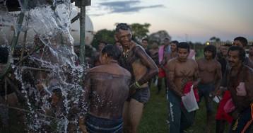 Los indígenas llevan su protesta al corazón político de Brasil