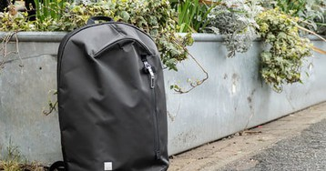Forget something? The Moshi Hexa laptop bag is so light you might think you did