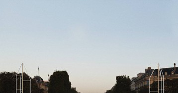 ¿Árbol o parabrisas? Así son las nuevas fuentes de los hermanos Bouroullec en los Campos Elíseos de París