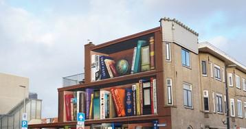 El mural de los libros que tienen prohibido hablar de política y religión