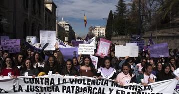 Las mujeres con un máster o un doctorado son las que más tardan en denunciar violencia de género