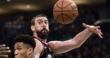 Leonard salva los muebles para los Raptors tras dos prórrogas ante los Bucks